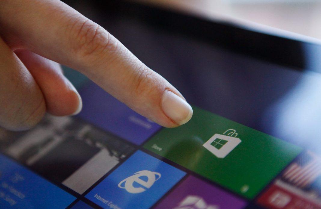 Техподдержка Microsoft предложила подождать сутки до восстановления магазина приложений для Windows