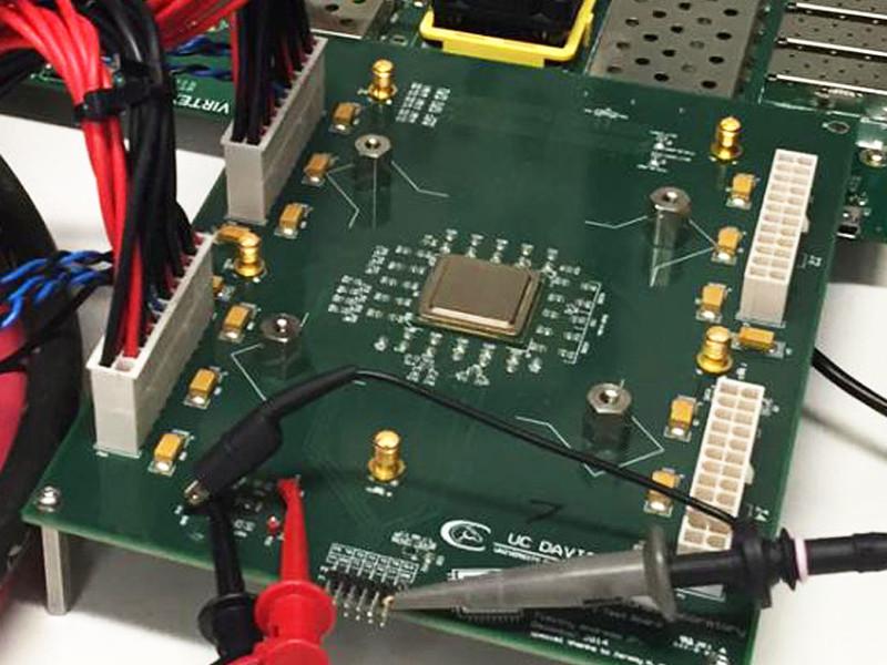 Создан первый в мире тысячеядерный процессор