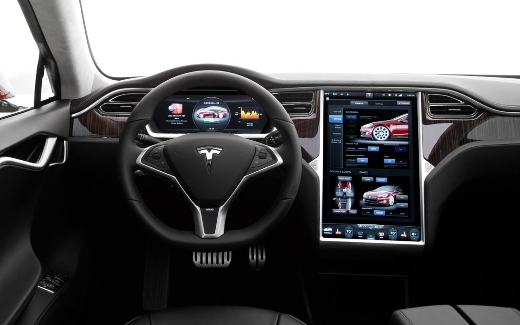 Сюрпризы от Tesla: световое шоу и путешествие по Марсу в новейшей версии прошивки автомобилей