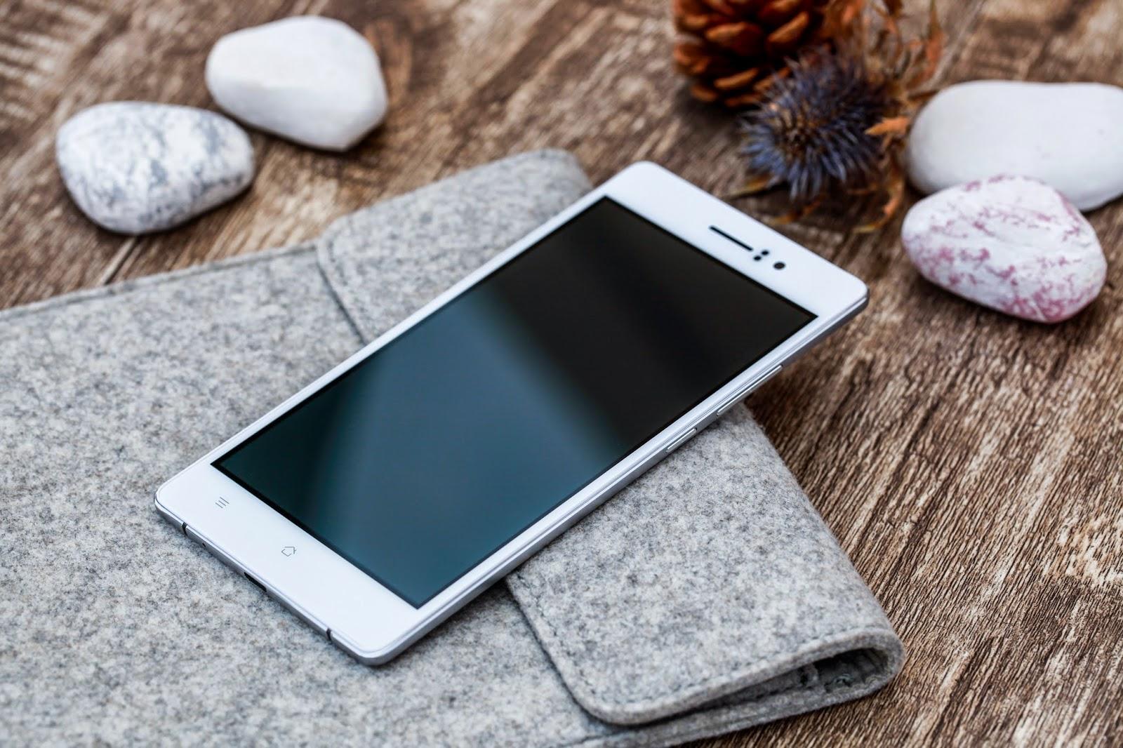 Самый тонкий смартфон 2017 года