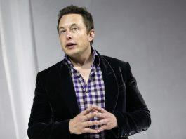 Илон Маск уверен, что людям придется стать киборгами