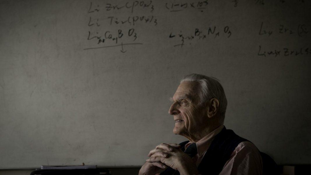 Создатель литий-ионных аккумуляторов предложил технологию для быстрозаряжаемых и невоспламеняемых батарей