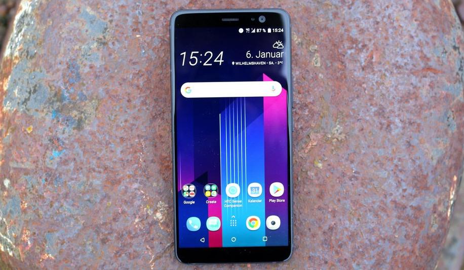 Безрамочный смартфон HTC Desire 12 Plus засветился в подробностях