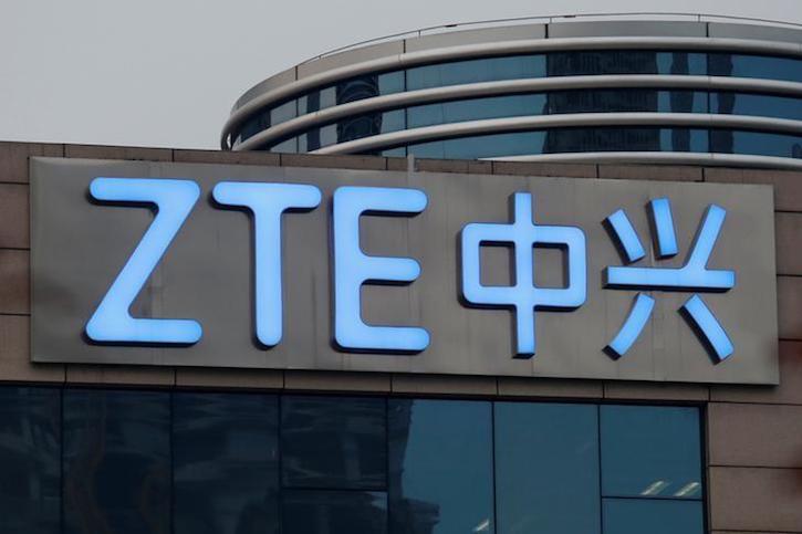 США сняли санкции с ZTE