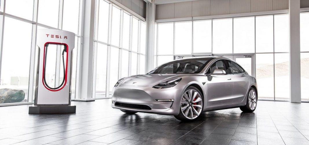 Электромобиль Tesla Model S проехал 1078 км на одном заряде, установив новый рекорд