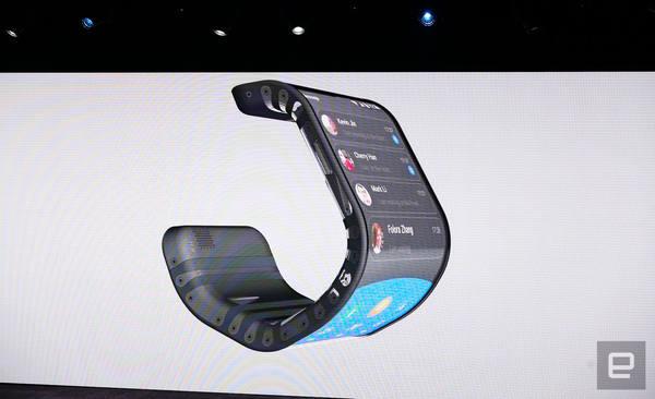 Lenovo показала живьём гибкий смартфон и складывающийся пополам планшет