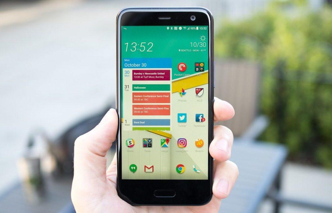 Компания Xiaomi, как и ожидалось, анонсировала смартфоны Redmi 5 и Redmi 5 Plus. Это первые полноэкранные аппараты в семействе Redmi.