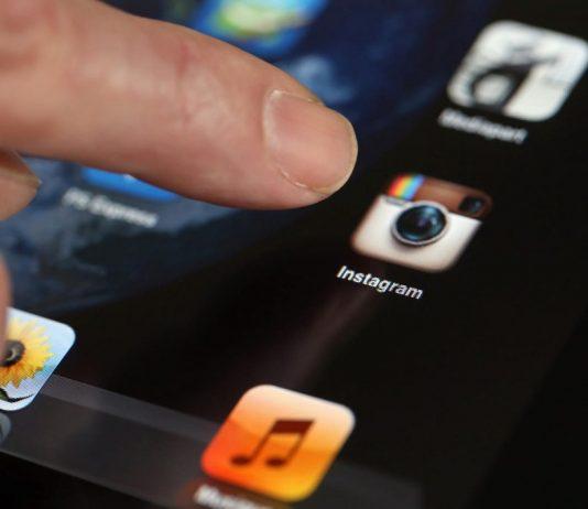 Instagram тестирует собственный мессенджер Direct
