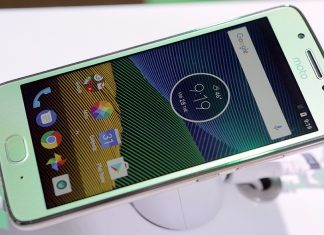 Смартфон Moto X5 будет похож на iPhone X, а модели линейки Moto G6 примерят корпуса из стекла и металла