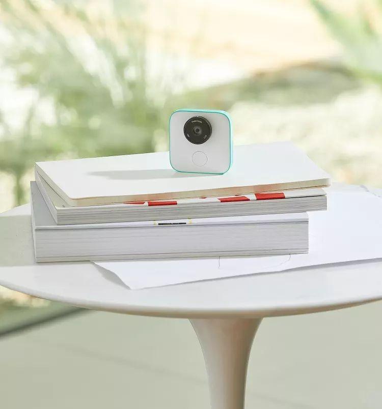 Начались продажи камер Google Clip