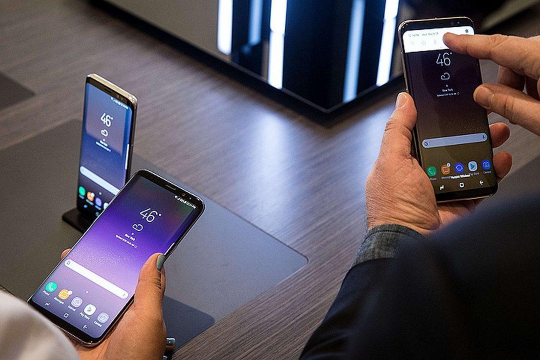 Компания Samsung может вскоре выпустить необычный смартфон с продвинутой камерой.