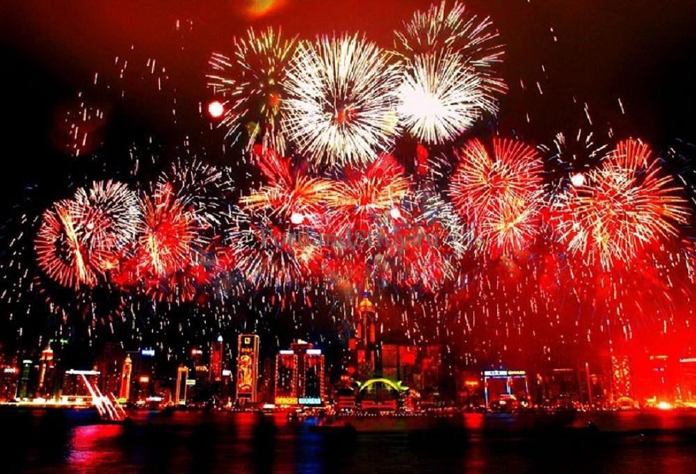 Сотни танцующих роботов и беспилотников поздравили китайцев с Новым годом