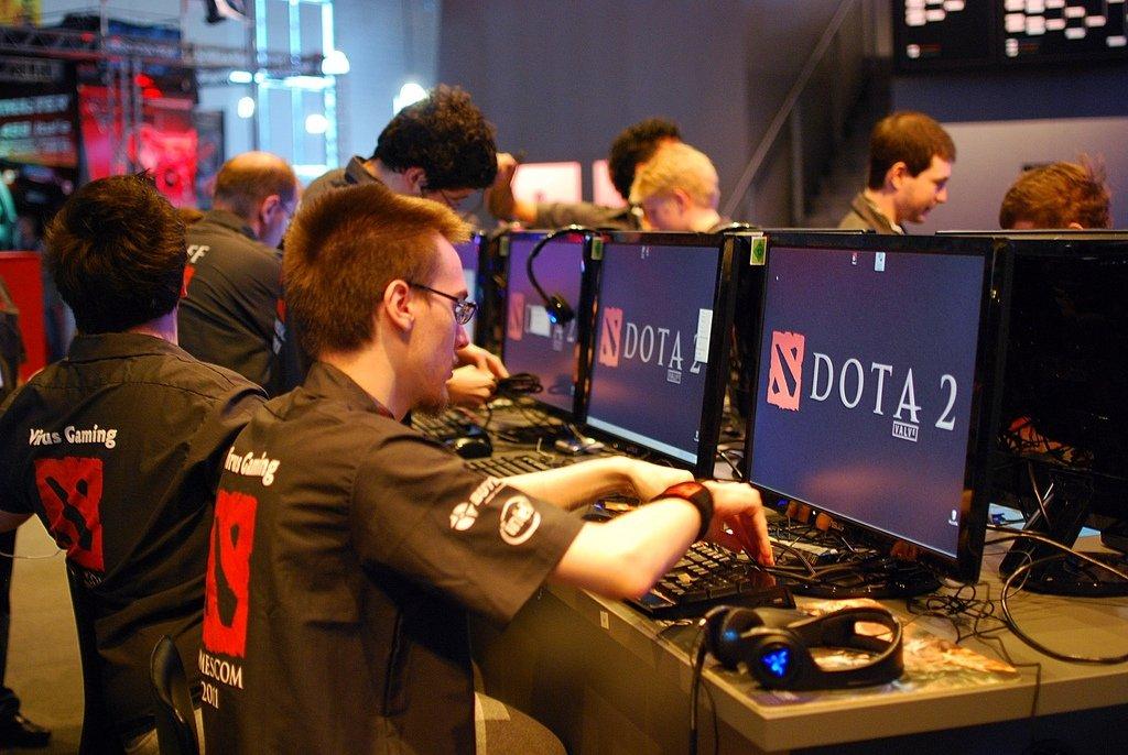Роскомнадзор обсуждает с экспертами меры по регулированию онлайн-игр