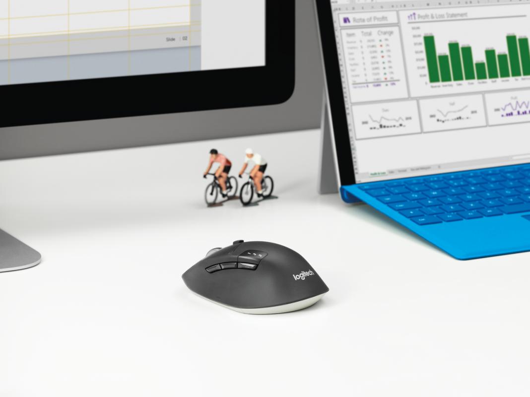 Мышь Logitech M720 Triathlon можно одновременно подключить к трем устройствам