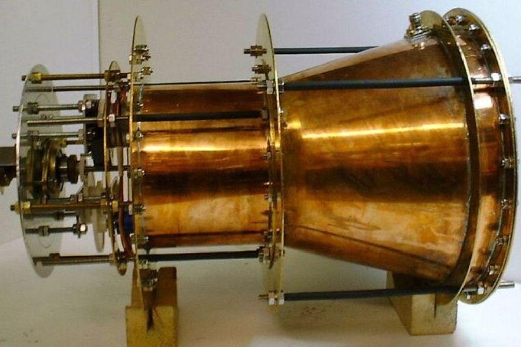 Запатентован двигатель EmDrive, нарушающий законы физики
