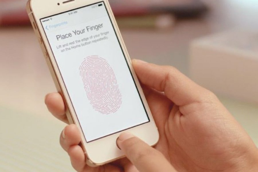 Apple извинилась за «ошибку 53» и дала возможность пострадавшим восстановить свои смартфоны. Правда, не полностью