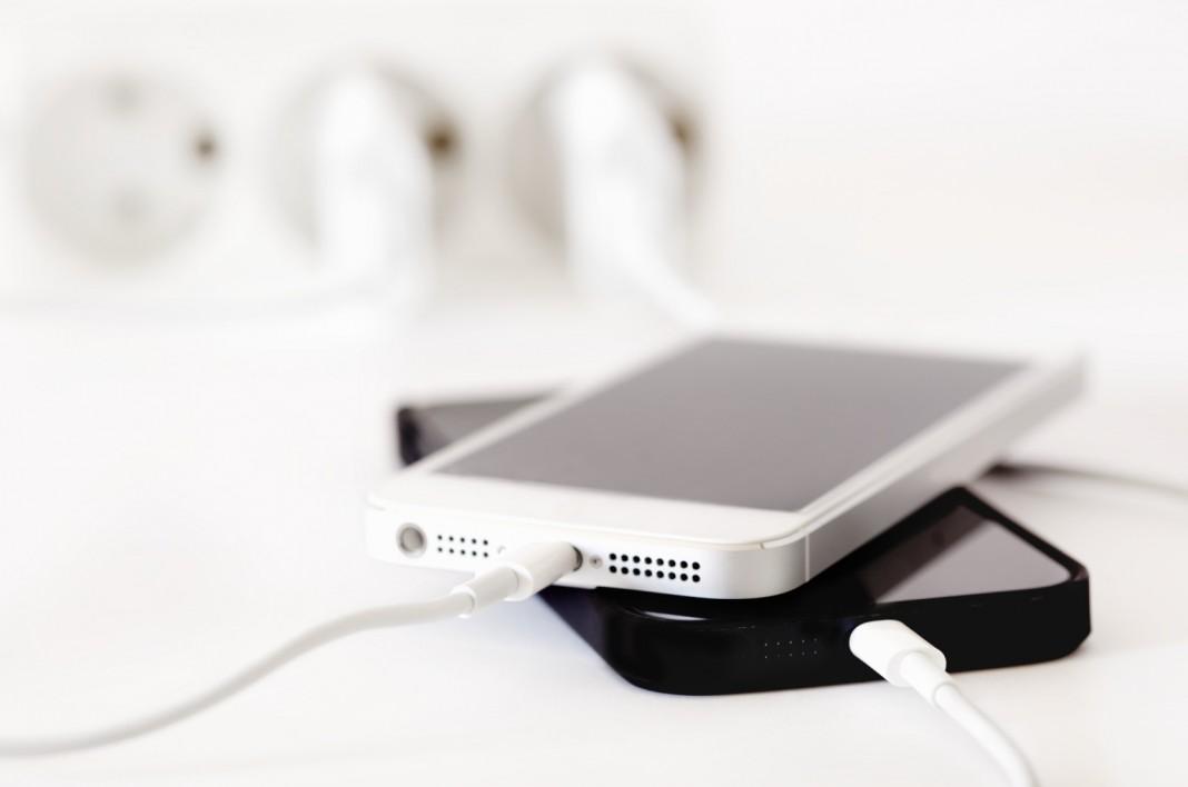 Британец сгорел из-за оставленного на зарядке iPhone