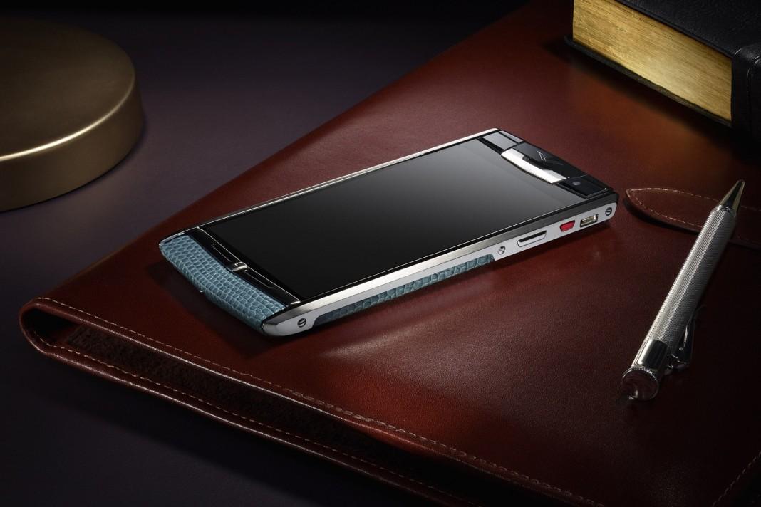 Новый Vertu Signature Touch: роскошный смартфон с флагманскими характеристиками