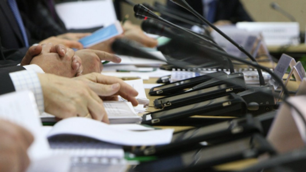 Чиновникам хотят запретить пользоваться Google, WhatsApp и Yahoo