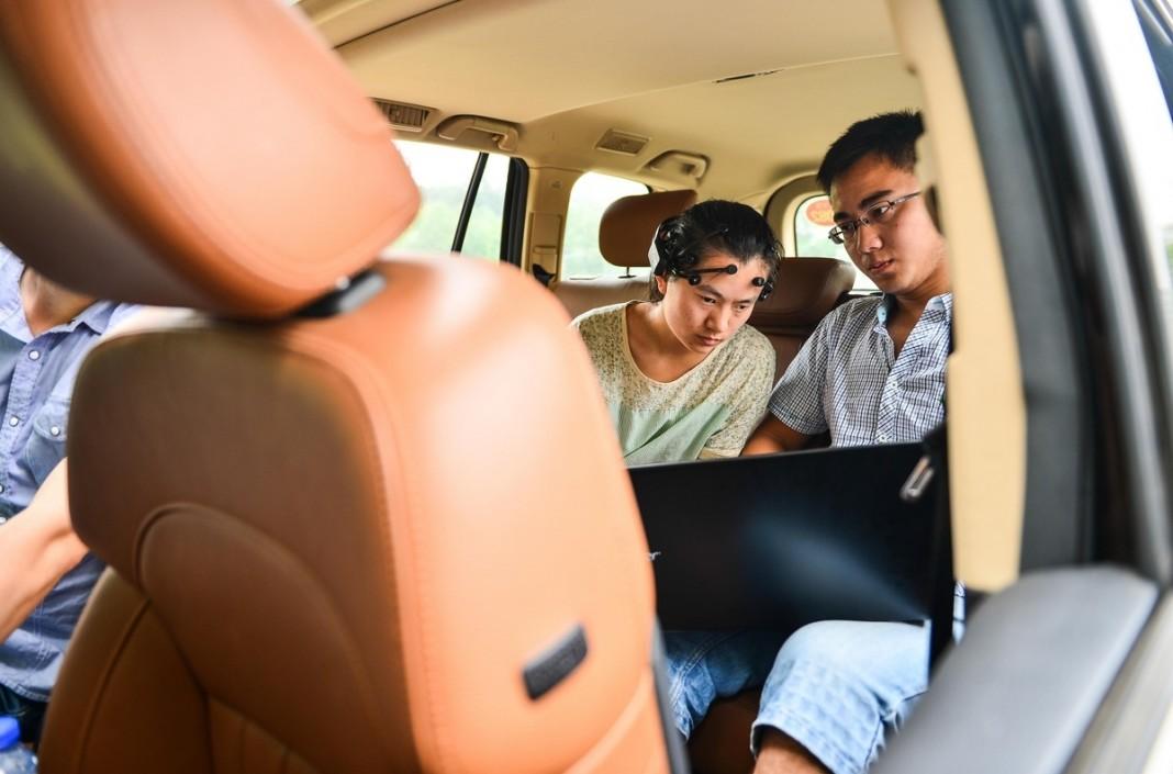 Китайские ученые создали систему для управления автомобилем силой мысли