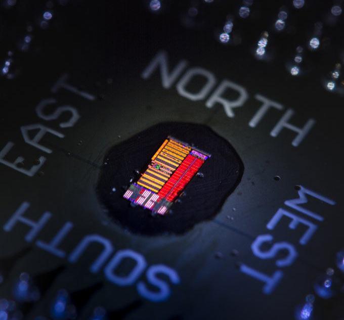 В США создан электронно-фотонный микропроцессор