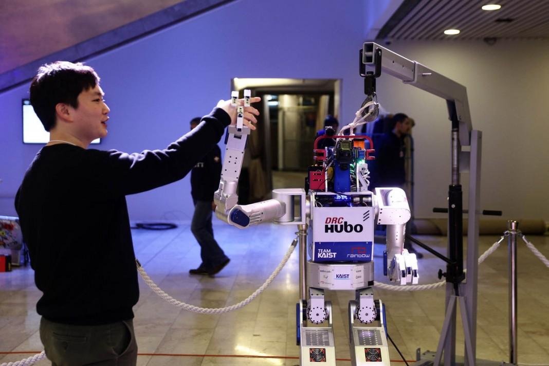 Роботы вместо людей: в Давосе обсудят четвертую промышленную революцию