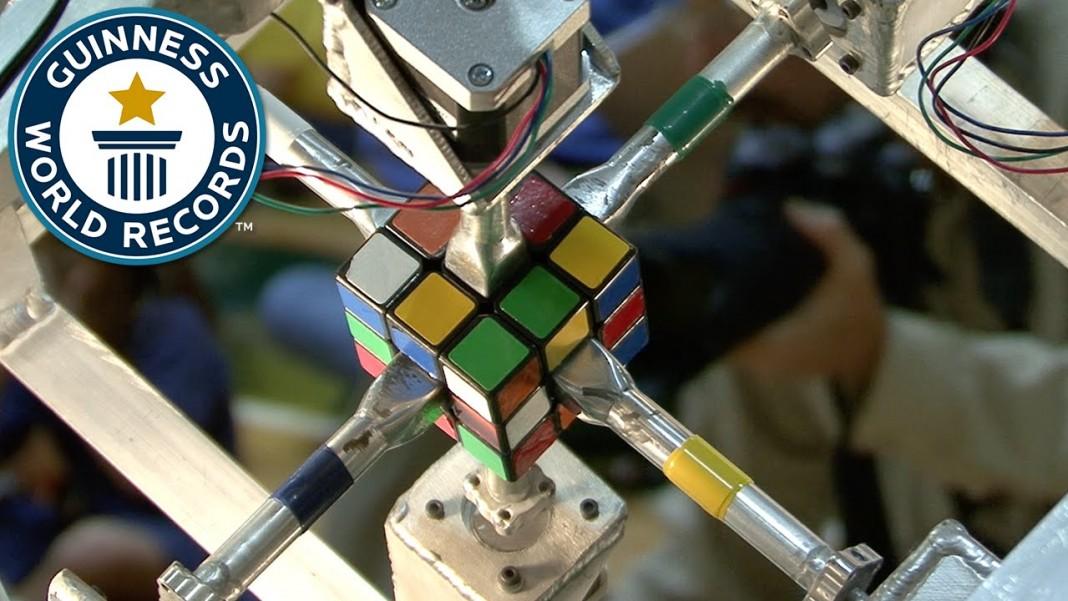 Робот собрал кубик Рубика за 1,047 с