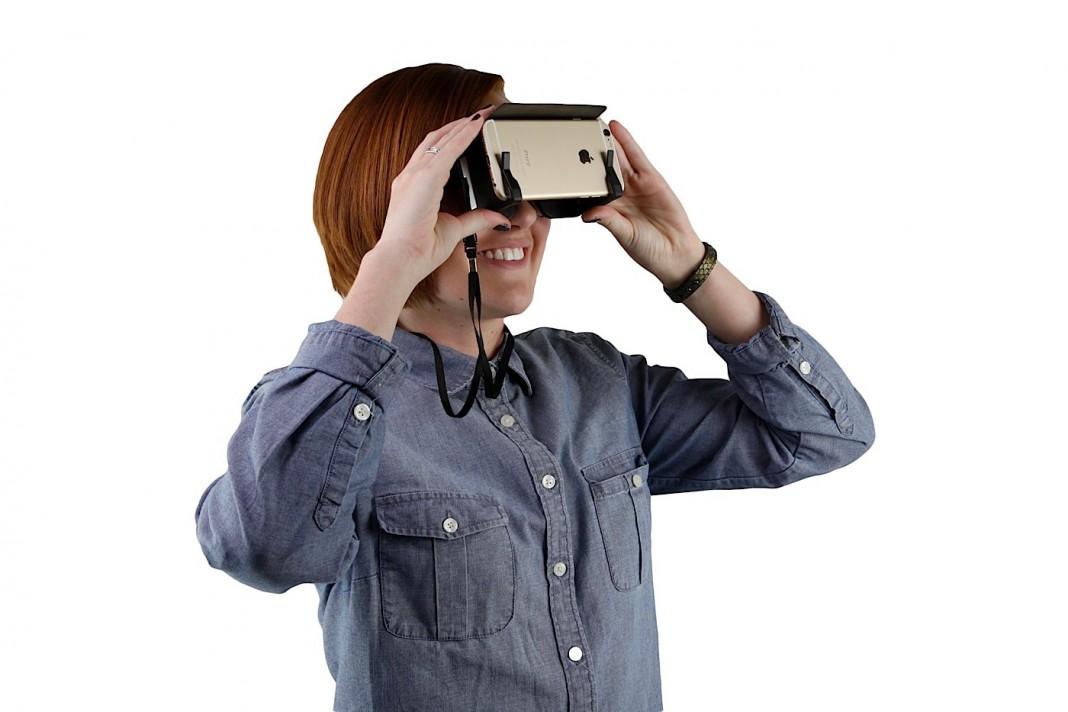 Гарнитура SmartVR позволяет спрятать виртуальную реальность в карман