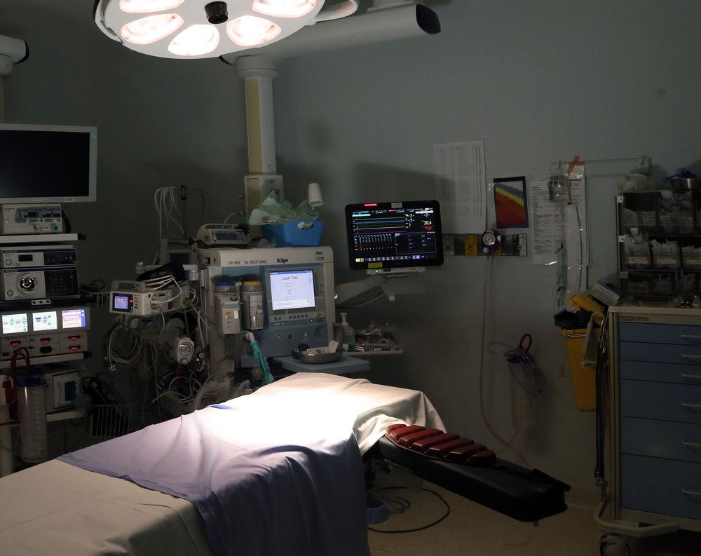 Робот-анестезиолог потерял работу из-за людей