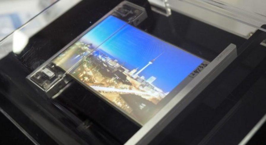 Samsung Display показала в работе сворачиваемый дисплей OLED