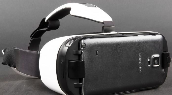 Шлем виртуальной реальности Samsung Gear VR вышел в России