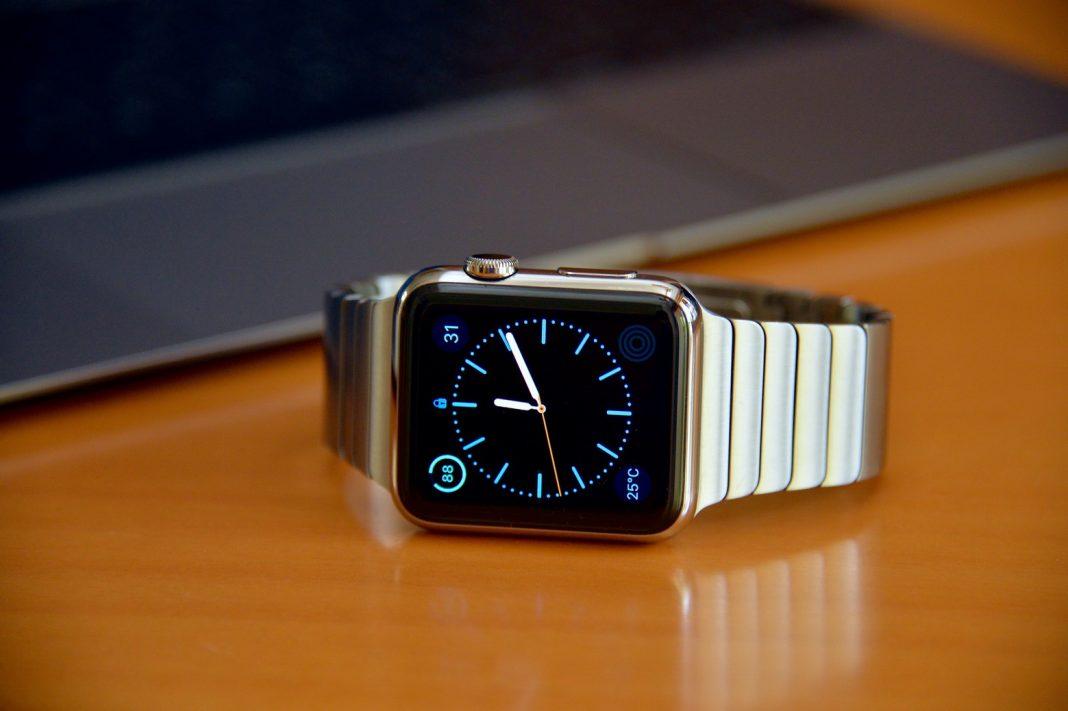 Apple отозвала watchOS 3.1.1 после жалоб на превращение Apple Watch в кирпич