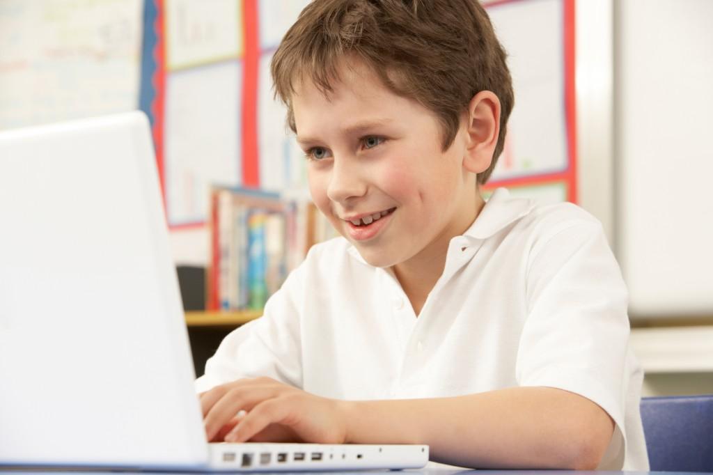 Как Интернет влияет на детей