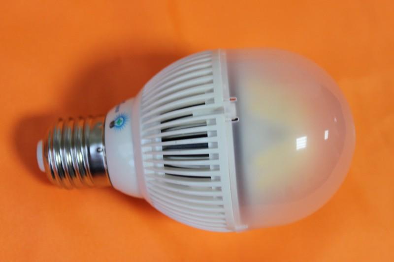 Смарт-лампа от Samsung