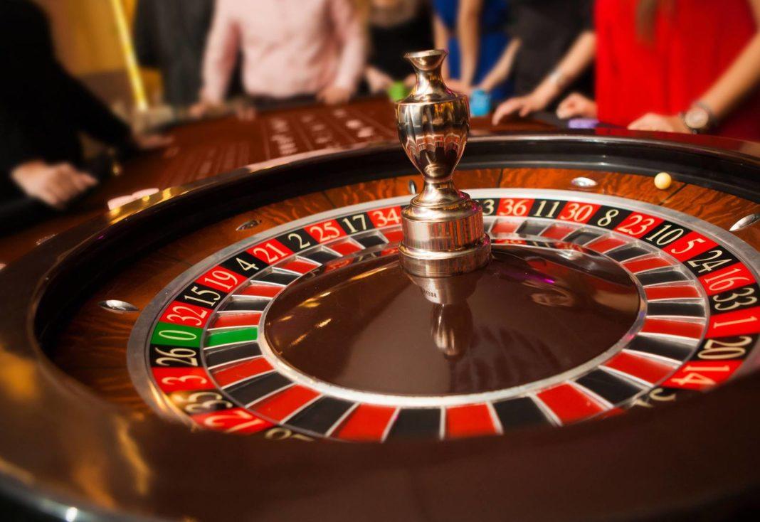 рулетка казино крупье